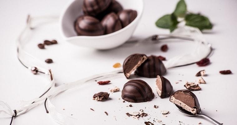 Сладката история на шоколада – от какаовите дървета до шоколадовите ателиета
