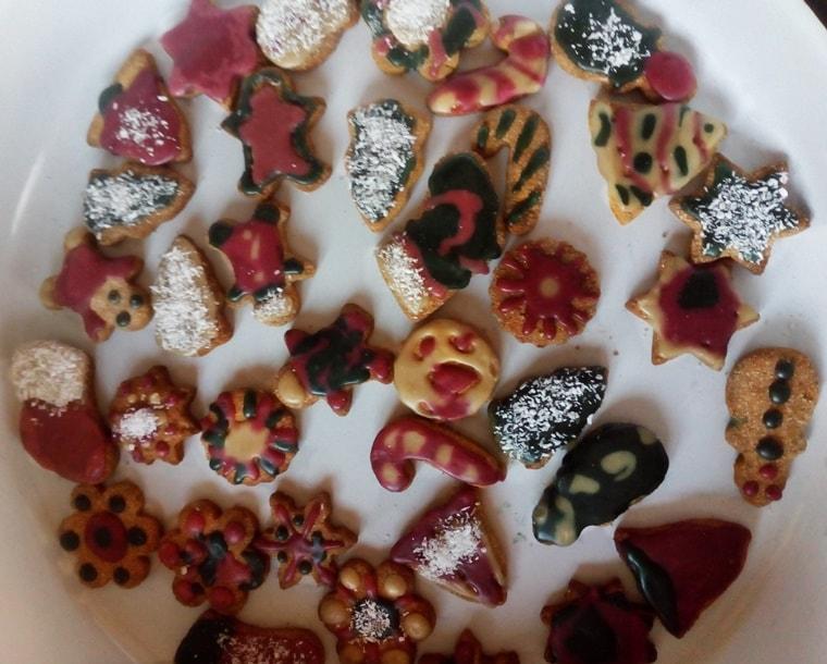 Готови бисквитки украсени