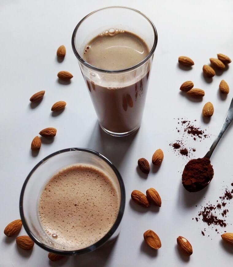 Домашно шоколадово мляко
