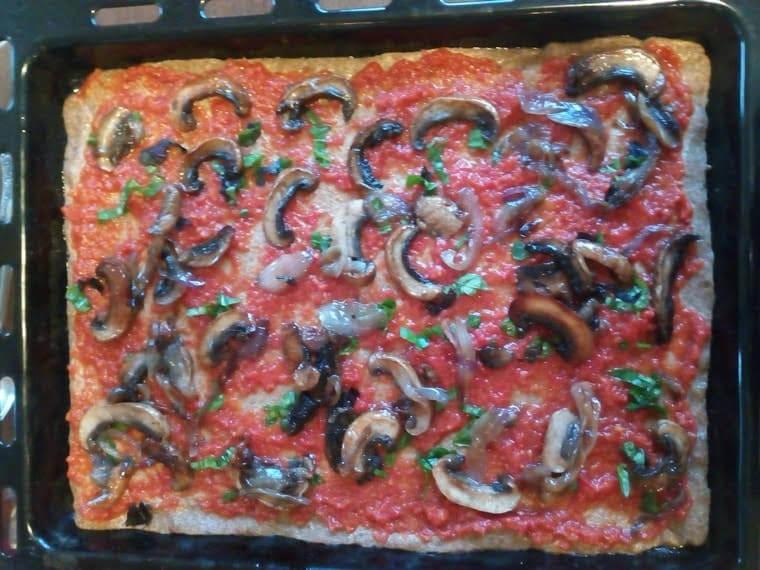 Пица с домашно тесто 3