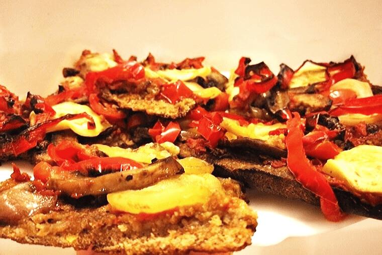 Пица с домашно тесто и чеснов сос от кашу