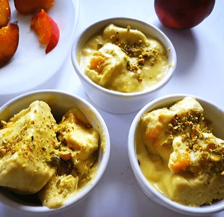 Веган сладолед с нектарини