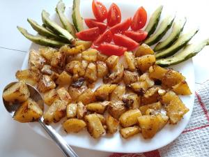 Хрупкави печени картофи на фурна