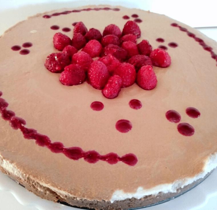 Шоколадов чийзкейк с крем от кашу и сусамов тахан