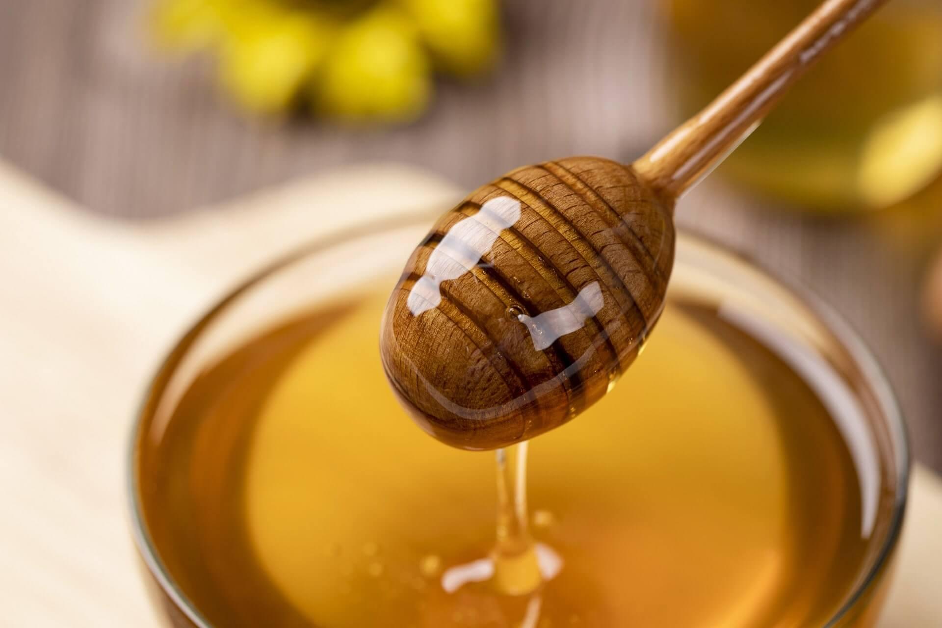 мед от глухарчета като допълнение към рецепти за закуска - 1