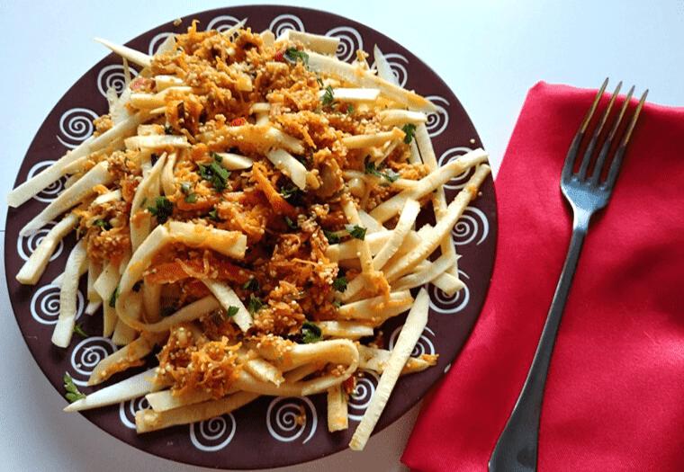 Спагети от тиквички с крем от кашу – свежо за летни дни
