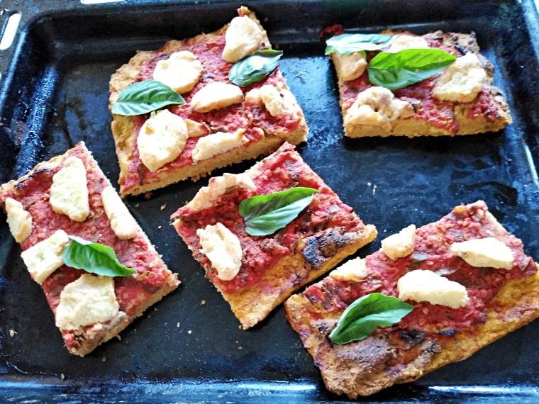 Пица Маргарита с домашна моцарела