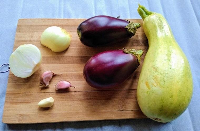 съставки за приготвяне на тези зеленчуци на фурна