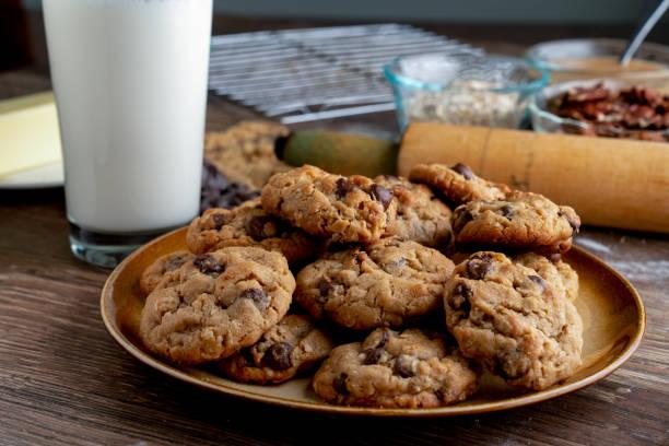 Шоколадови бисквити с овесени ядки