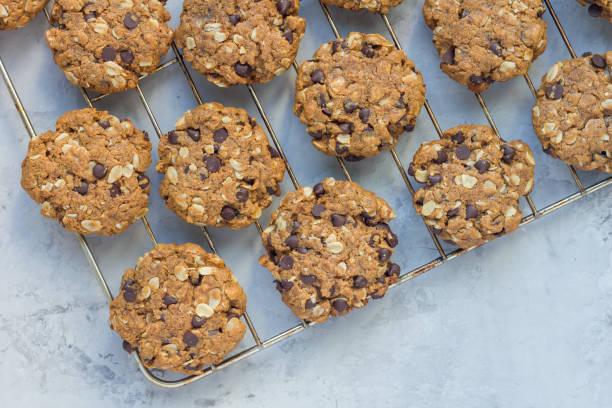 Шоколадови бисквити с овесени ядки - готови и направени