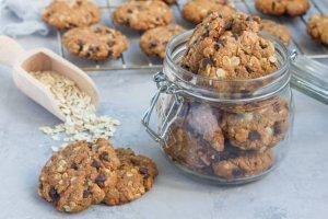 Read more about the article Шоколадови бисквити с овесени ядки